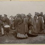 Коллекция Исаака Сербава 1911-12 годов, цыгане на ярмарке в Петрикове, Российская Империя (74retro)