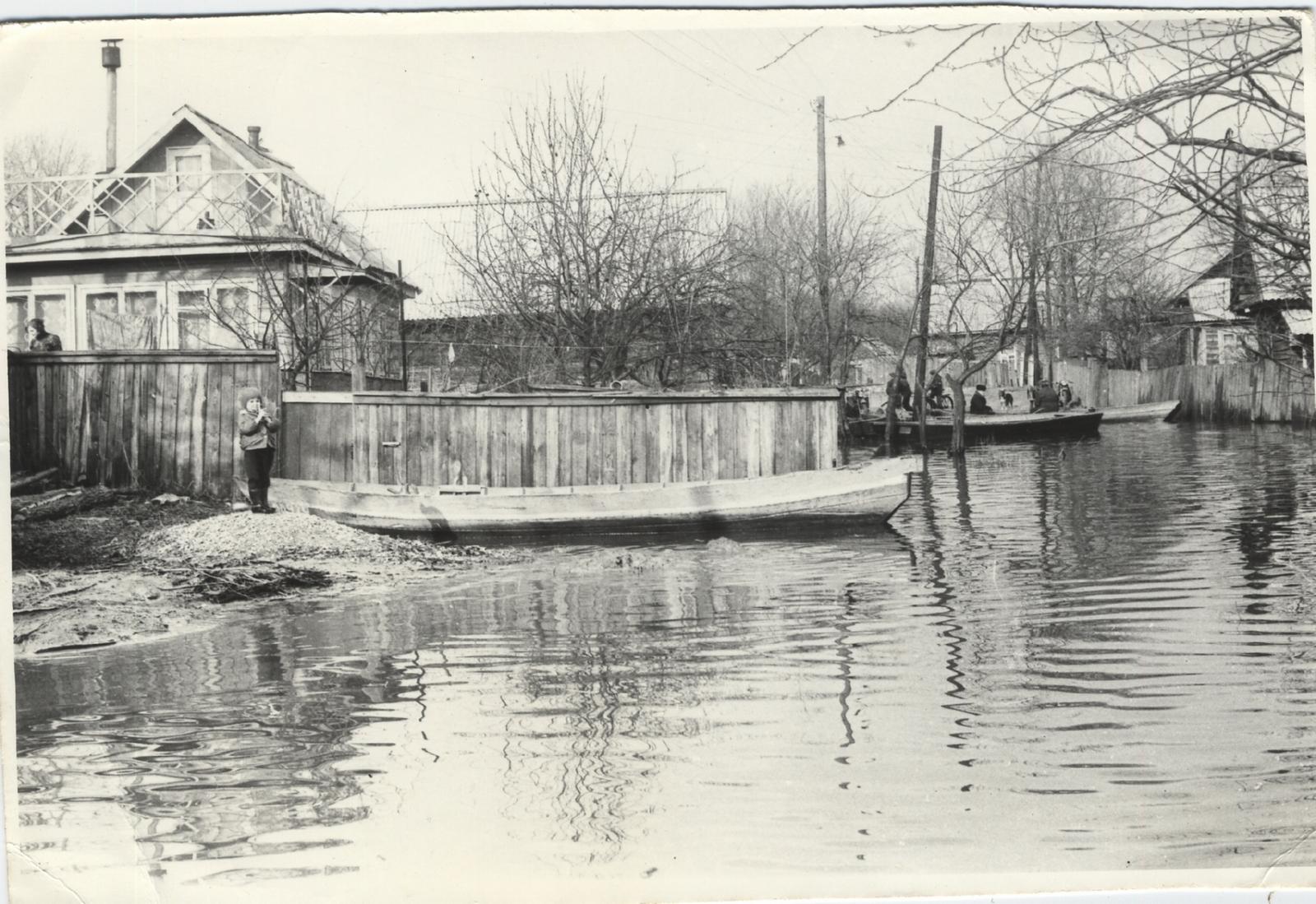 Петриков ул. Буденного во время наводнения