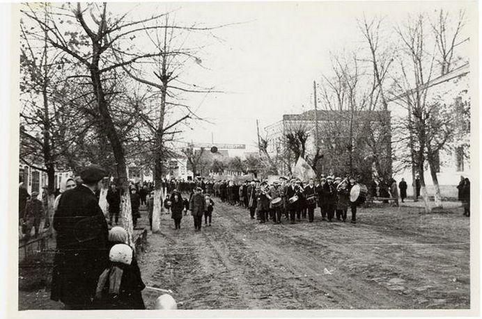 фото октябрьской демонстрации