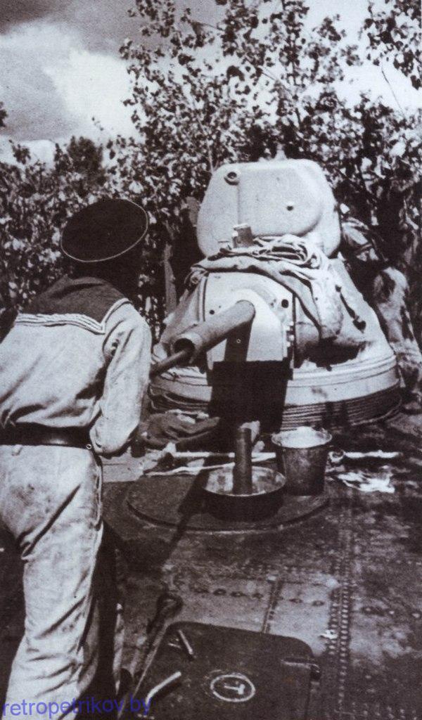 фото чистка башенного орудия бронекатера