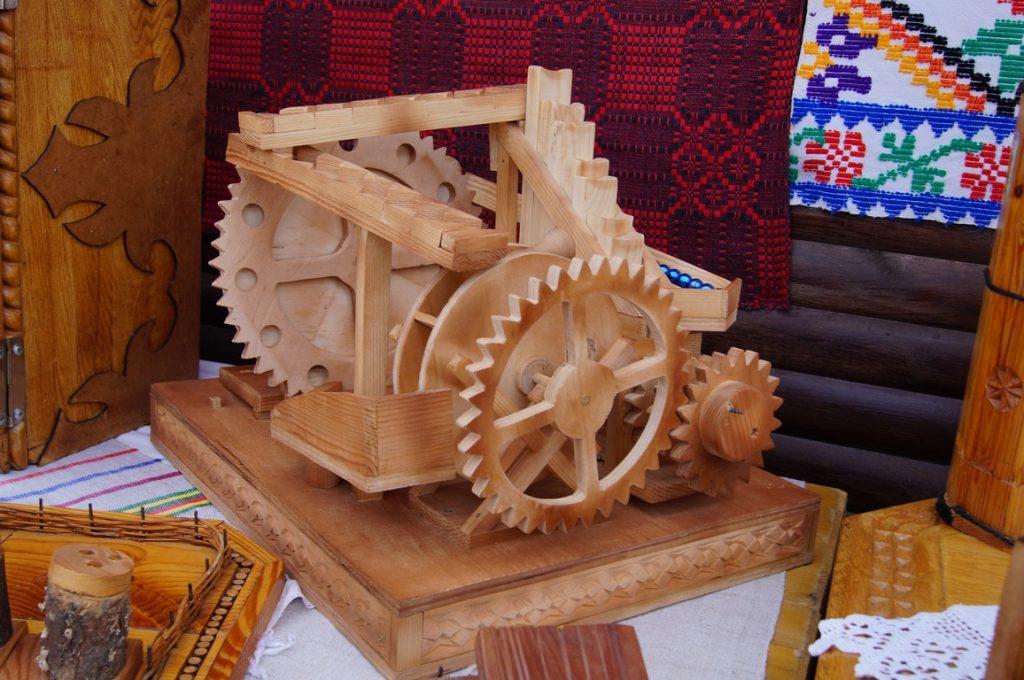 деревянный мезанизм