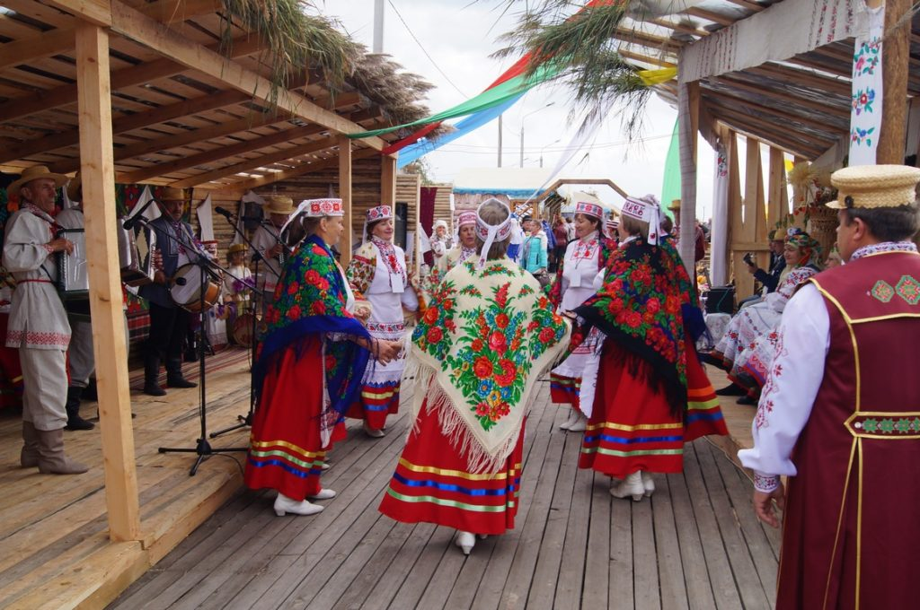 народный танцевальнвй колектив