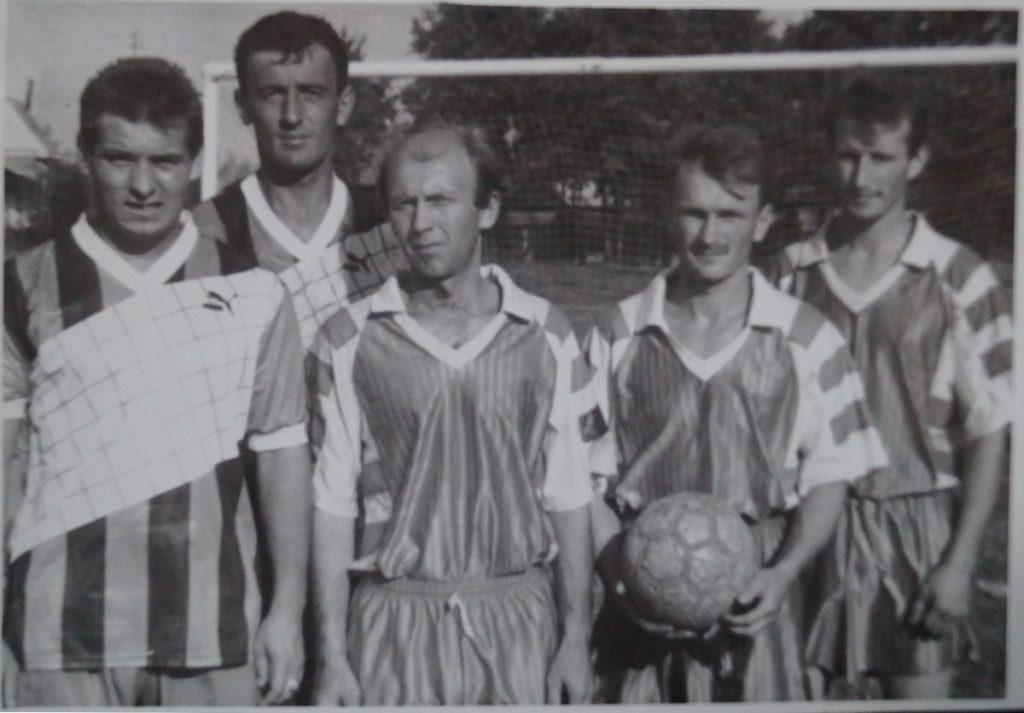 фото группы футболистов