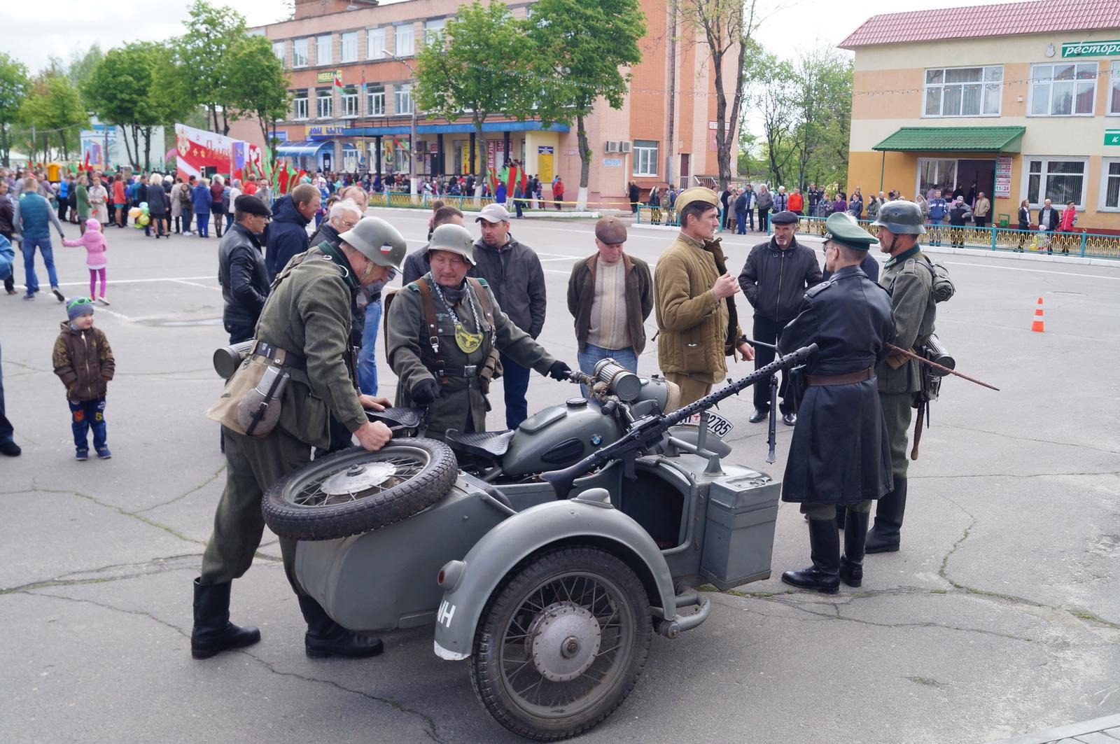 немецкие мотоциклисты