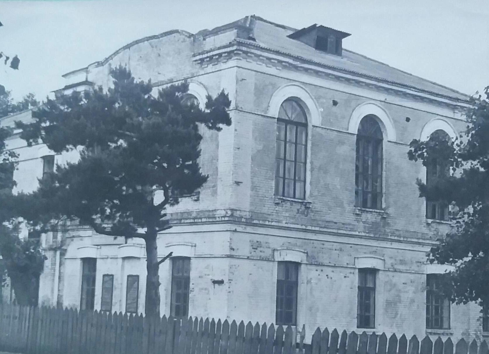 здание 1 политехнической школы г. Петриков